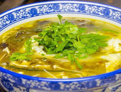 酸汤肉丝火锅米线