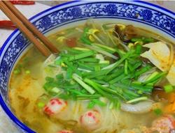清汤鱼丸火锅米线